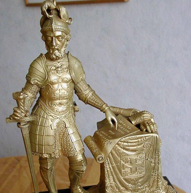 Бронзовые каминные часы с Рыцарем