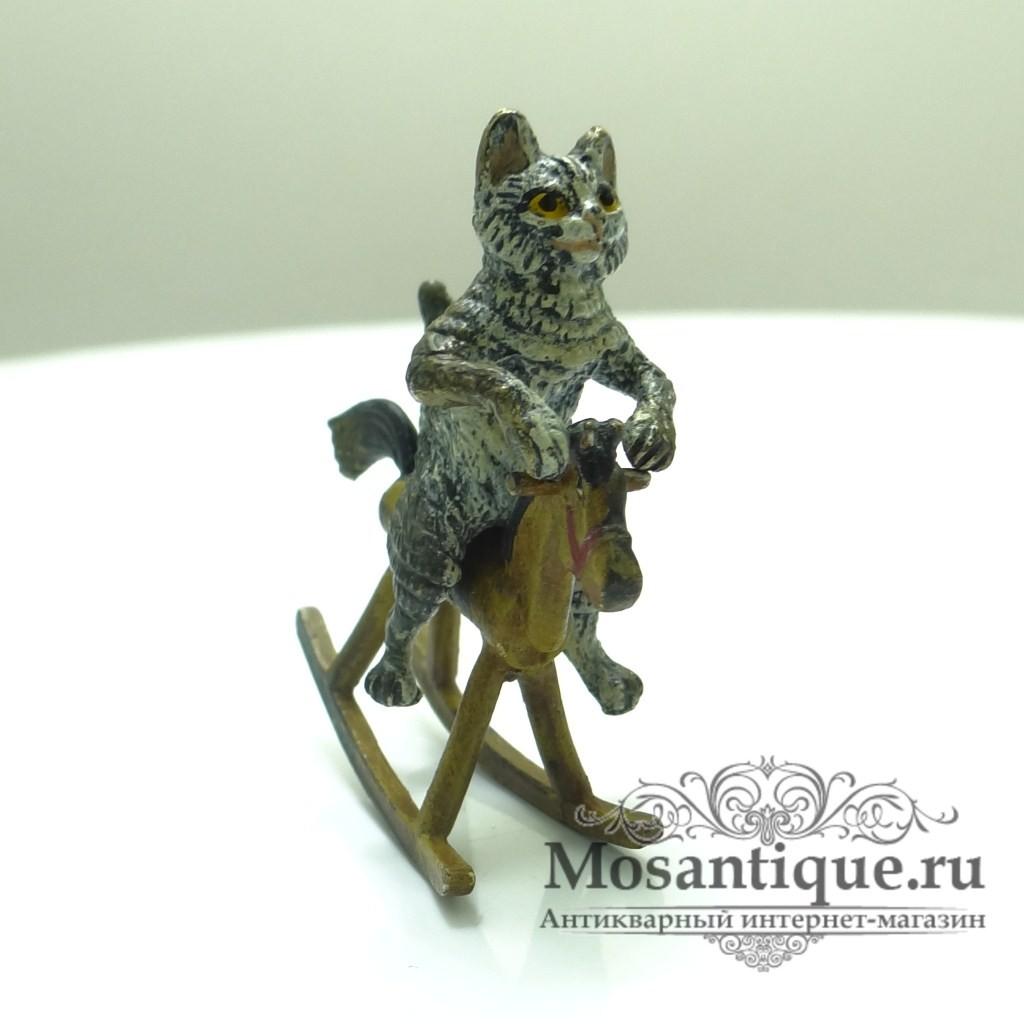 Венская бронза  «Кот на игрушечном коне».