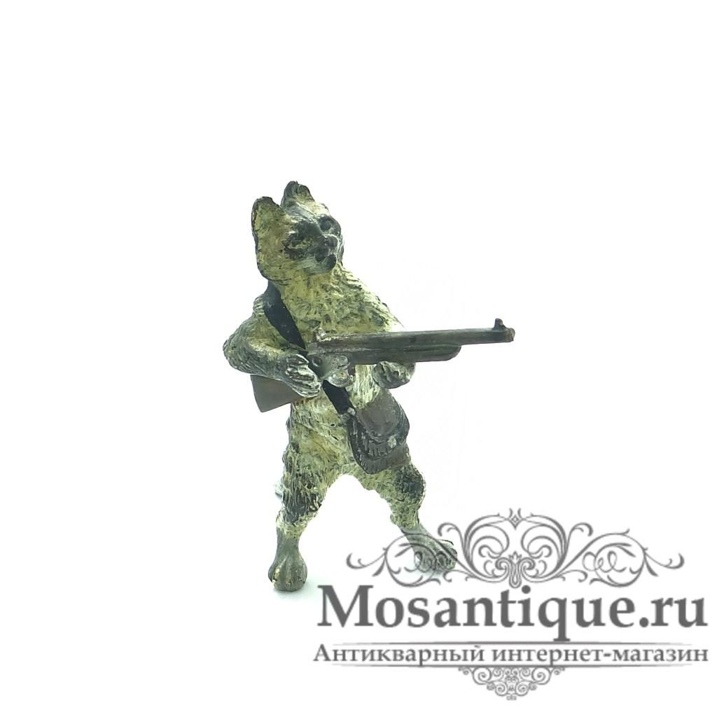 """Венская бронзовая миниатюра """"Кот с карабином"""""""