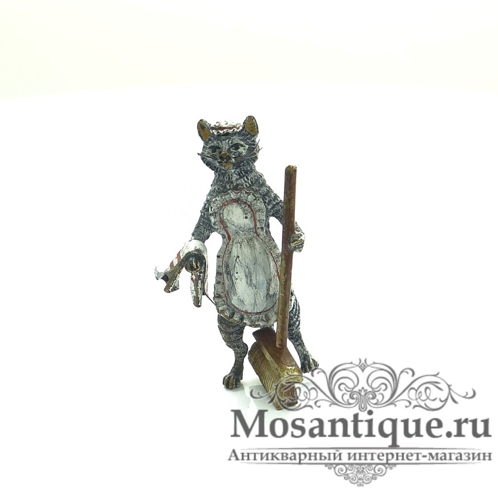 """Венская бронзовая миниатюра """"Горничная"""""""