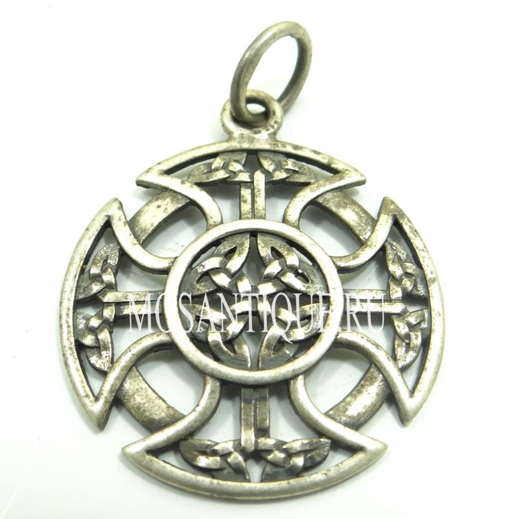 Старинный кельтский крест