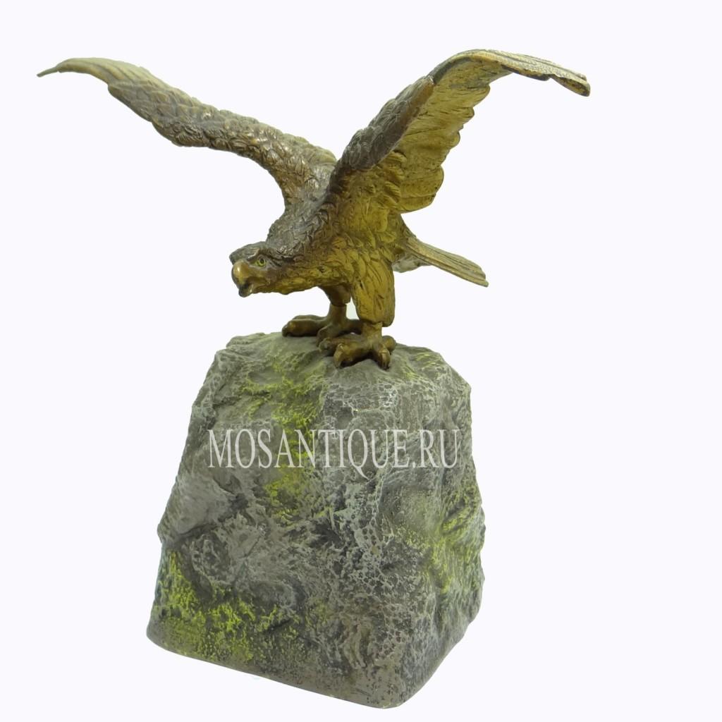 """""""Орел на скале""""-бронзовая композиция"""