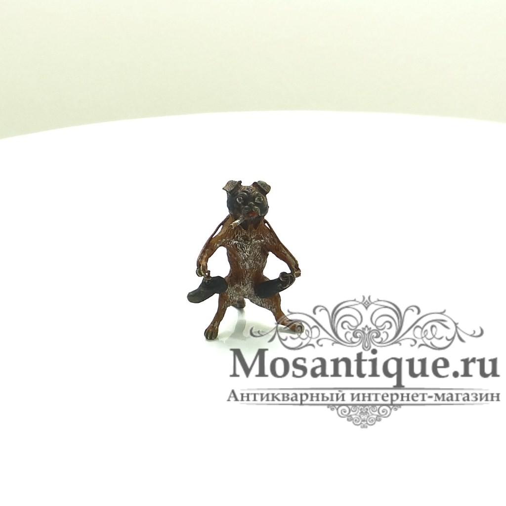 """Венская бронзовая миниатюра """"Мопс с ботинками"""""""