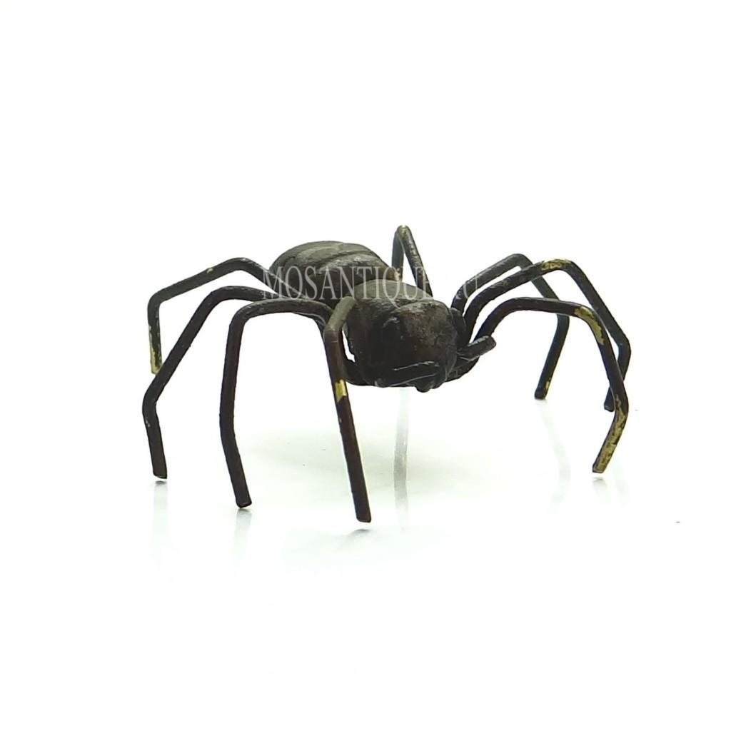 Фигурка паука