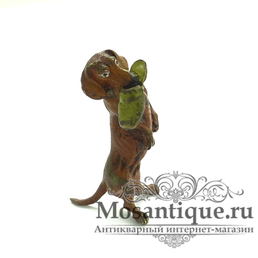 """Венская бронзовая статуэтка """"Такса с тапком"""""""