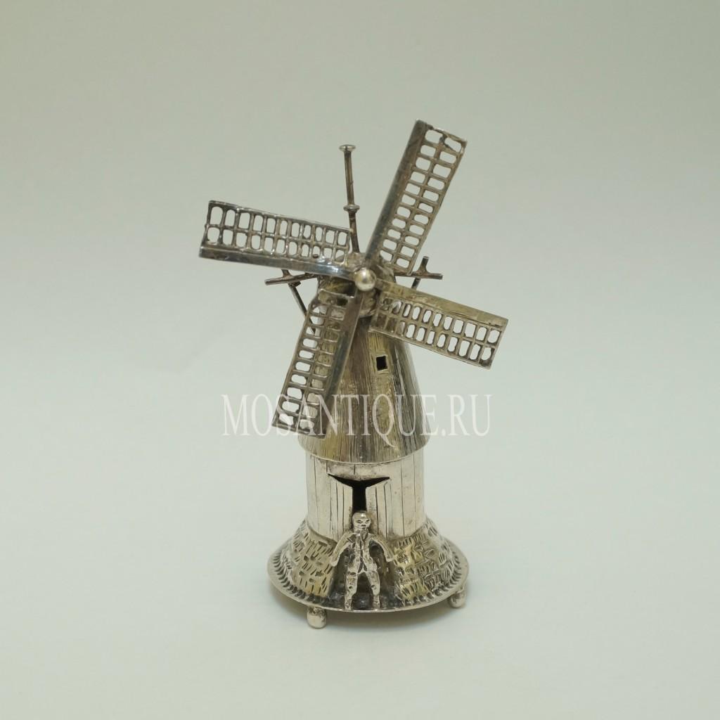 """Серебряная статуэтка """"Мельница и Мельник"""""""