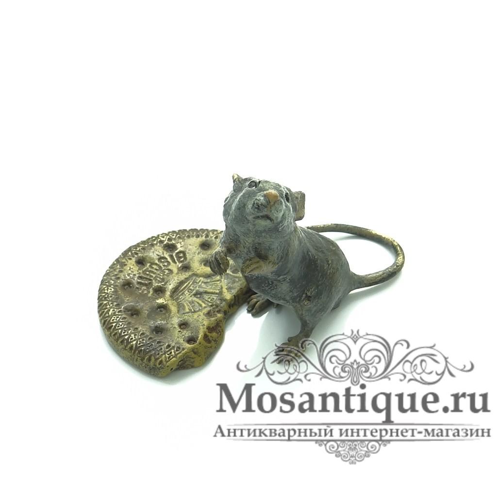 """Венская бронзовая миниатюра """"Крыса с печеньем"""""""
