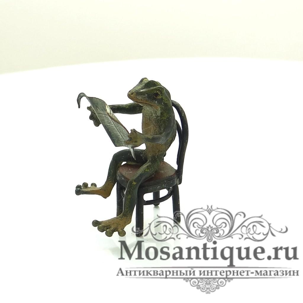 """Венская бронзовая миниатюра """"Лягушка за газетой"""""""