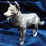 Овчарка. Серебряная миниатюра. Вид слева