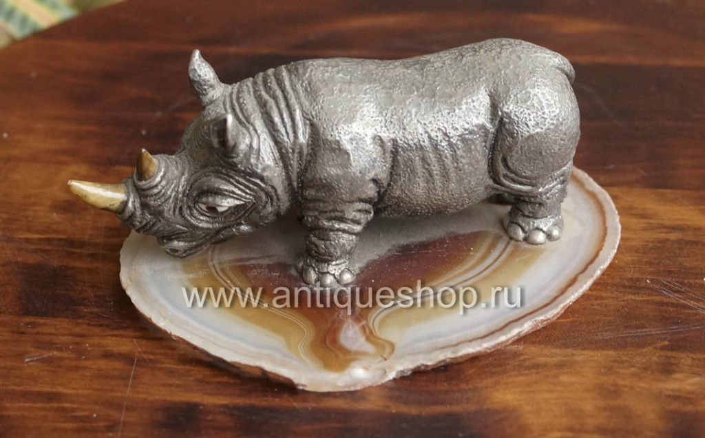 Носорог. Серебро 925 пробы и агат