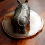 Носорог. Вид сзади