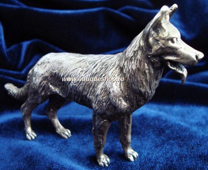 Овчарка. Серебряная миниатюра. Вид справа