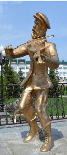 """Памятник """"Скрипачу на крыше"""""""
