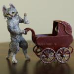"""Фото венской бронзы """"Кошка с котенком в коляске"""""""