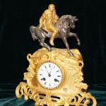 Часы с бронзовой скульптурой всадника