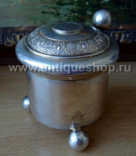 Старинная пивная кружка из серебра