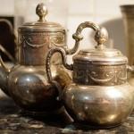 Старинный чайник и сахарница (XIX век)