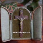 Старинный наперсный крест в футляре