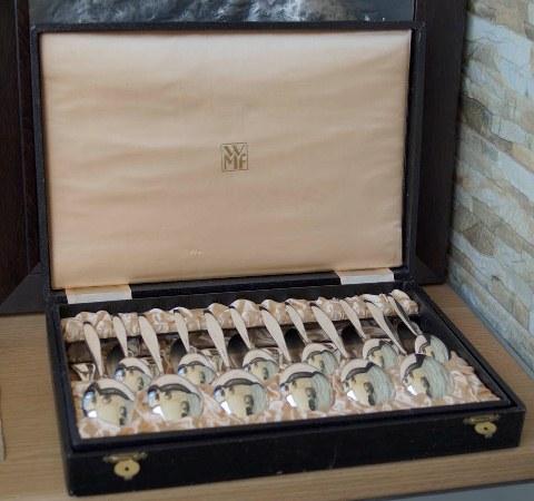Комплект старинного столового серебра