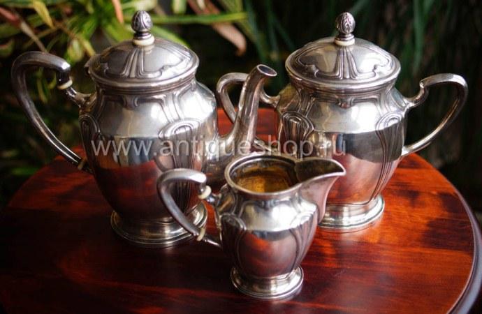 Серебряный чайный набор в стиле модерн