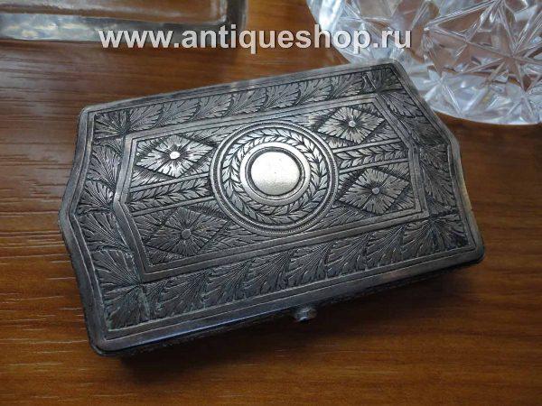 Старинная серебряная табакерка