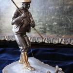 """Фотография антикварного изделия из серебра """"Рыбак"""""""