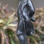 Фотография скульптуры Наполеона справа