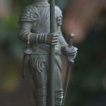 "Фото скульптуры венской бронзы ""Рыцарь"""
