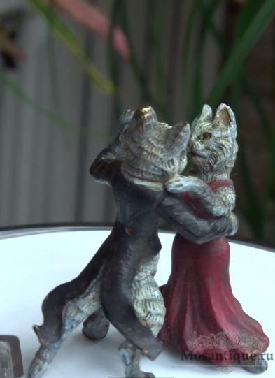 """Фотография статуэтки венской бронзы """"Танец кота и кошки"""""""